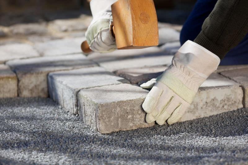 Строительство дорожек из тротуарной плитки